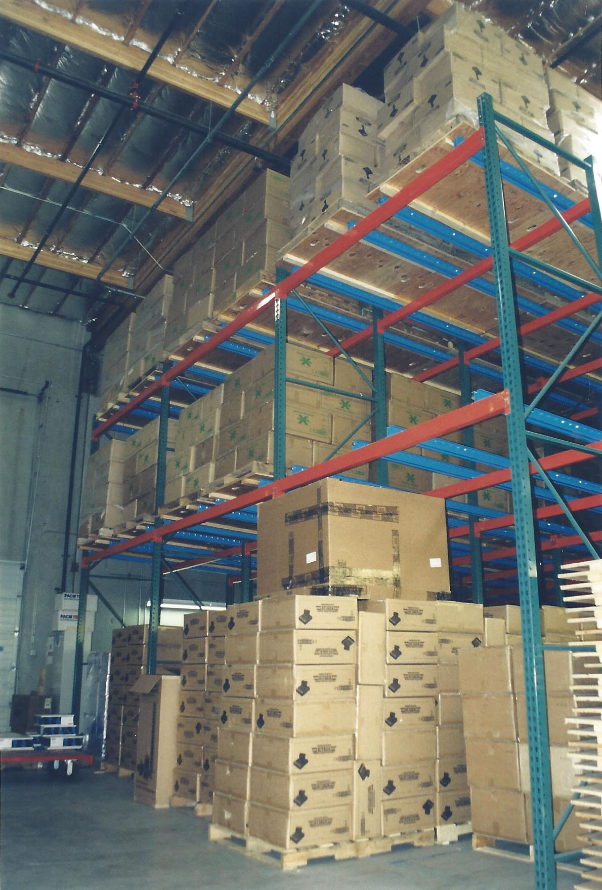 17 Pallets Deep Flow Rack System with Poly Wheels