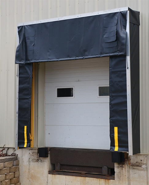 Vestil D-520-24 Retractable Dock Shelter
