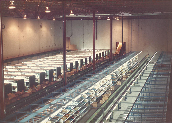 Huge Distribution Center Rack, Case Flow, Shelving, Sortation